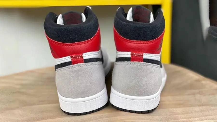 Giày Air Jordan 1 Retro High Light Smoke Grey 555088-126 là phiên bản mới nhất