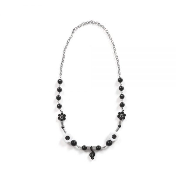 vong-co-salute-x-shane-gonzales-music-a-necklace