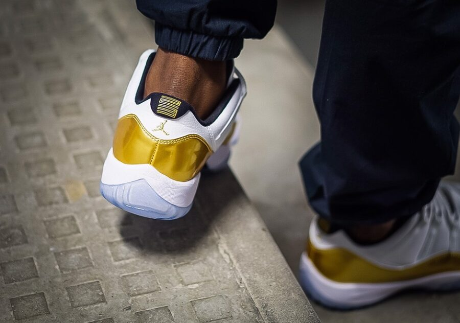 https://sneakerdaily.vn/san-pham/nike-air-jordan-…emony-528896-103/ 
