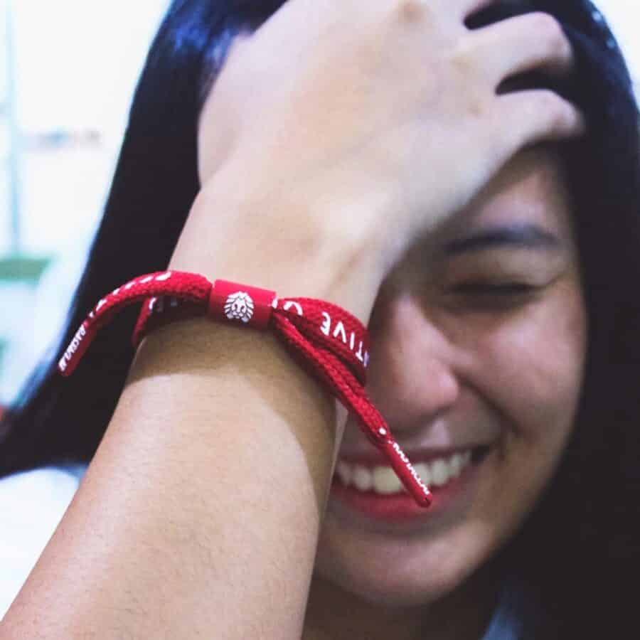 vong-tay-rastaclat-positive-vibes-dark-red