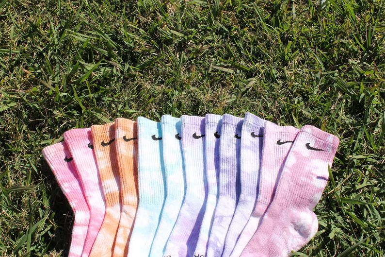Tất Nike Tie Dye nhuộm thủ công