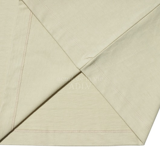 ao-thun-adlv-stitch-embroidered-sleeve-t-shirt-beige